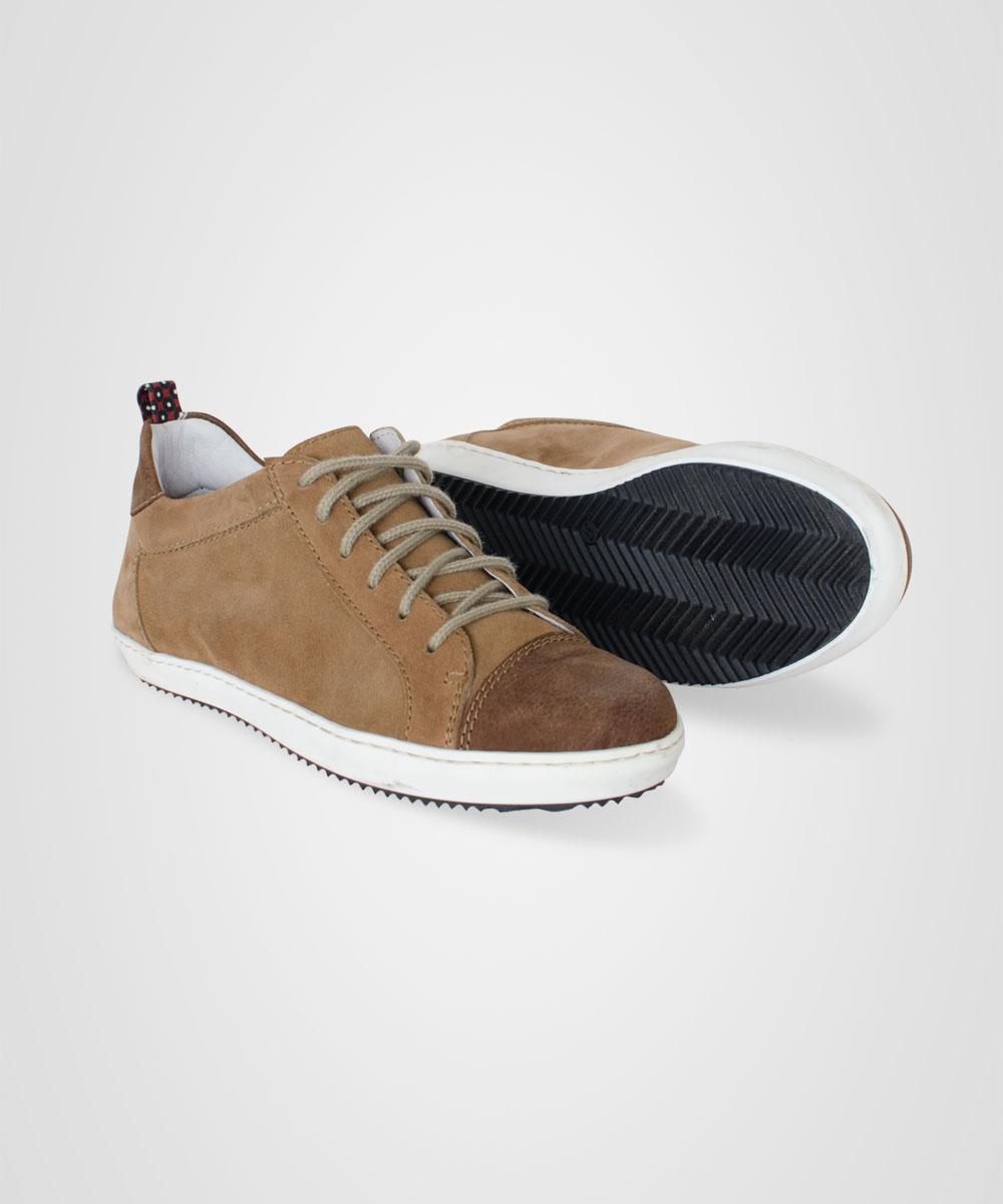 sneakers-01.jpg