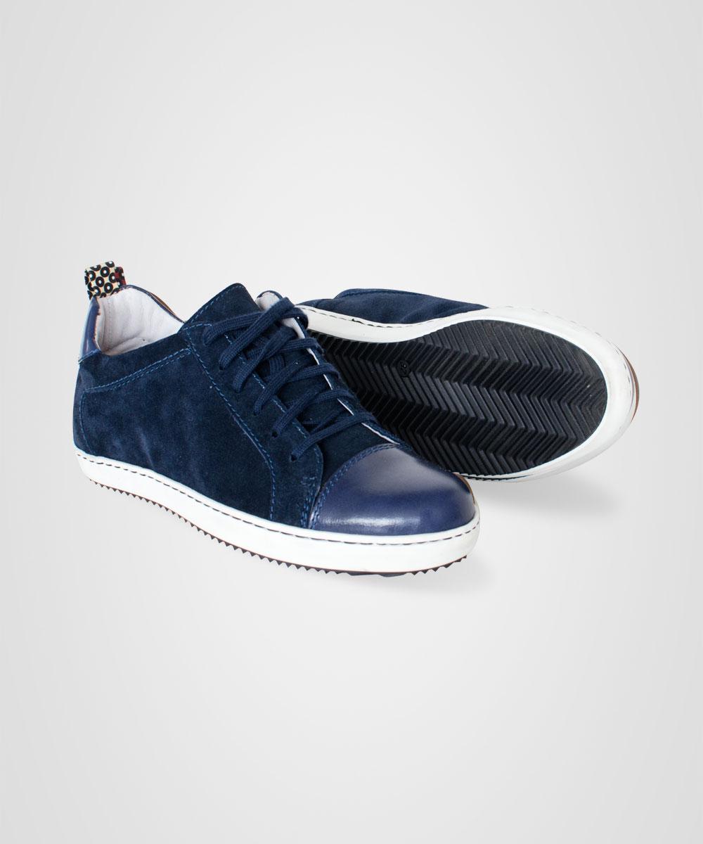 sneakers-03.jpg