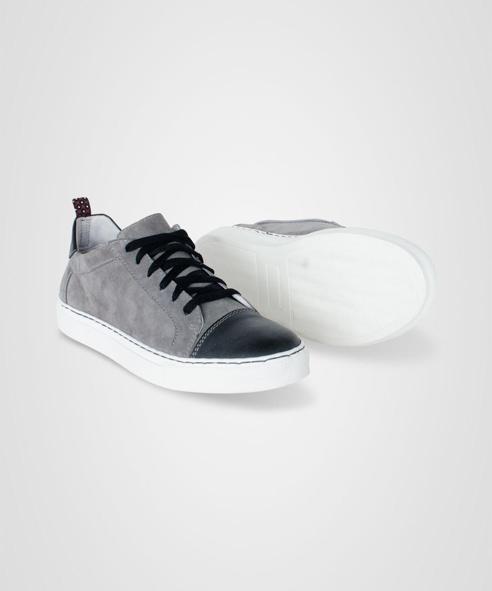 sneaker-01.jpg