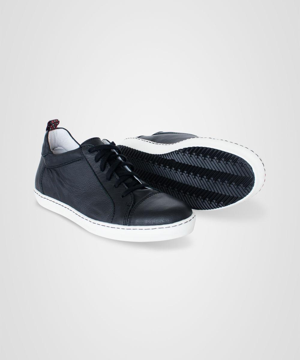 sneaker-03.jpg