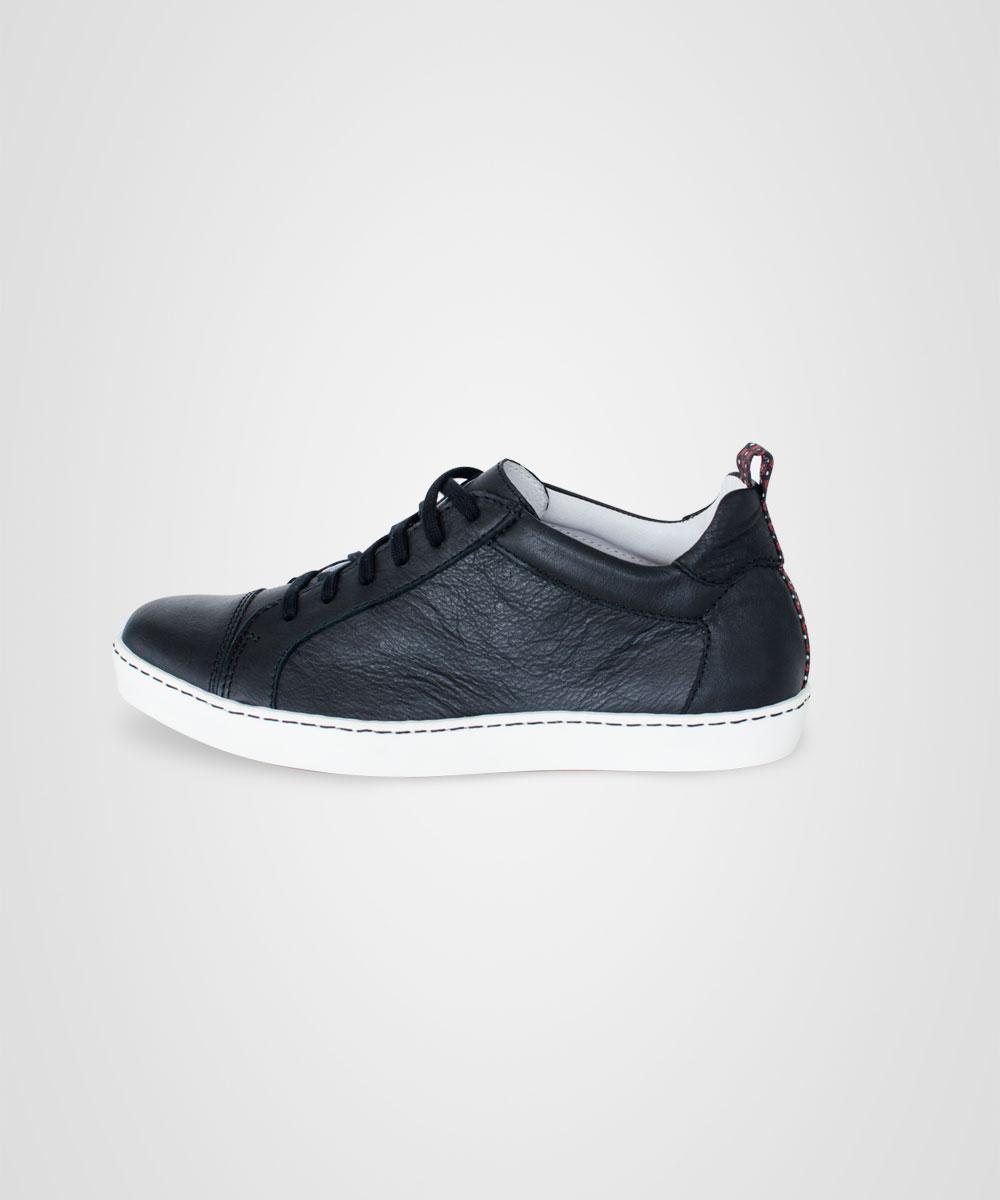sneaker-04.jpg